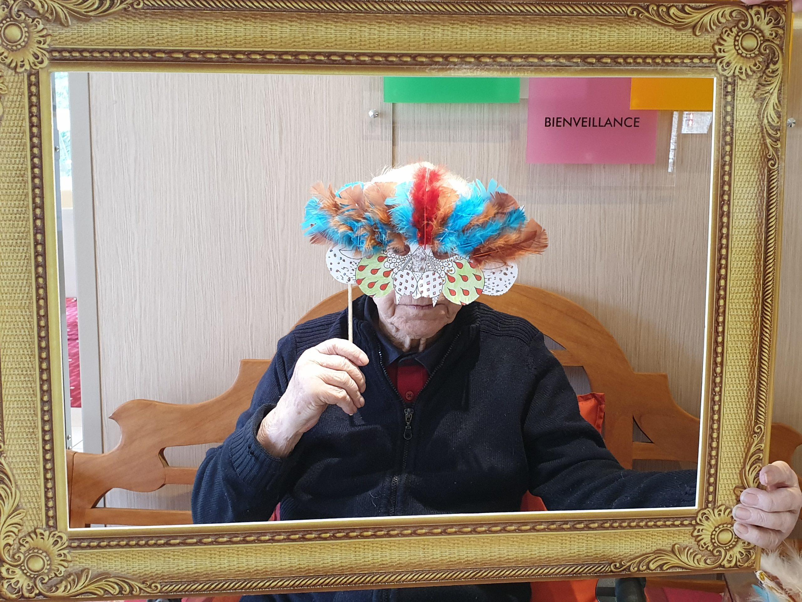 Les portraits masqués des résidents à l'EHPAD Bérengère